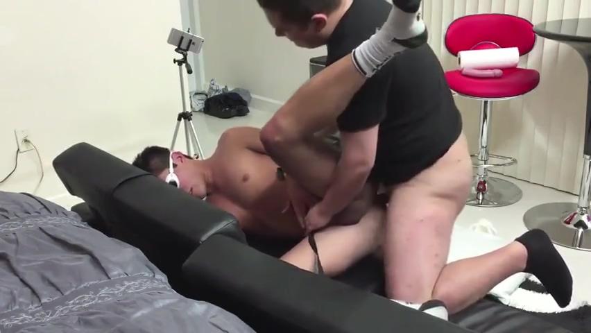 Straightboyz Fucked 220 Dirty hot brunette chick sucking cock