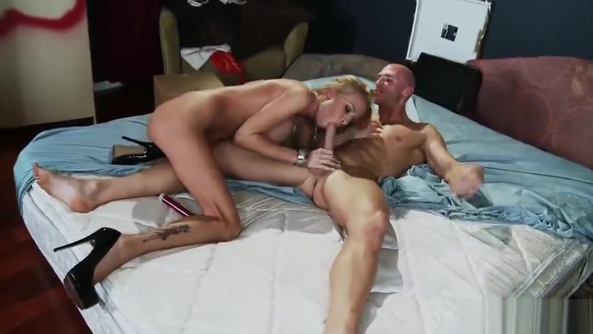 Marvelous towheaded Riley Evans free licked movie pussy