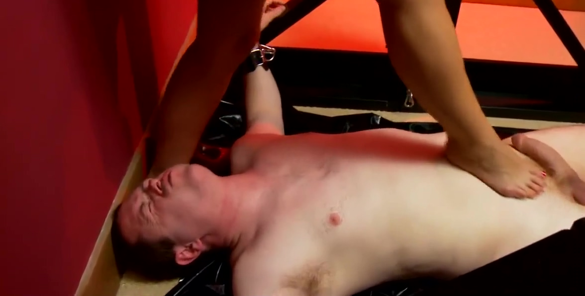 Slave facesitting & foot worship HD Fuck my wife nick manning