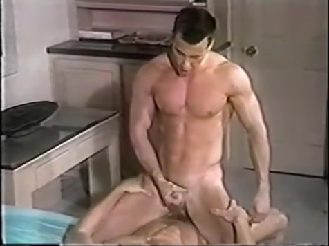 2 Twinks in Action Allover30 ladies