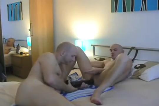 Hot Amateur Couple - Bareback and Dildo on Webcam Best postion for butt sex