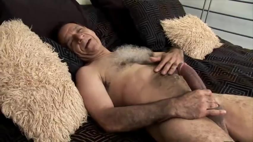 Wanking Bear Wife homemade natural nude anal creampie