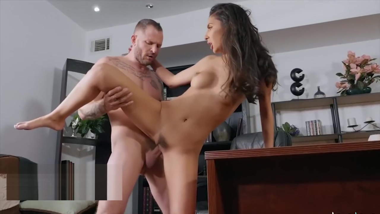 Elegant Teen Gianna Dior gets exploited by her therapist - BABES Porno seks foto