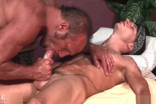 Ace Warner Massage Hairy Pussy Porn Videos