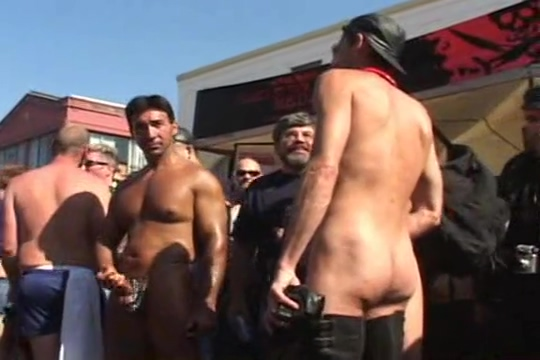 Folsom Street Fair 2003 white girl gets naked with tribe pics