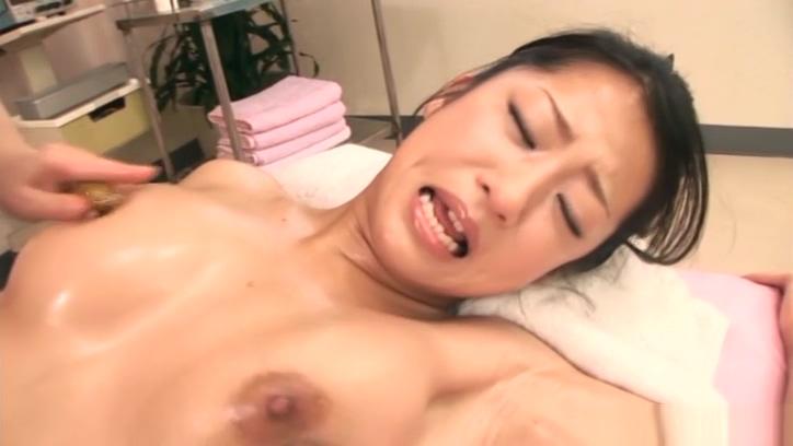 Cute Satomi Suzuki has her snatch nailed deep Dating Queen