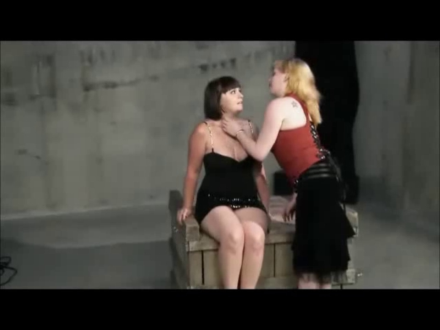 Plump Lesbo Domination Sexy butts with gap