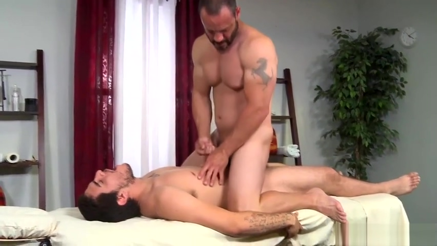 Injured Jock Dicks Hot Daddy Masseur On Massage Table German Big Ass Fuck