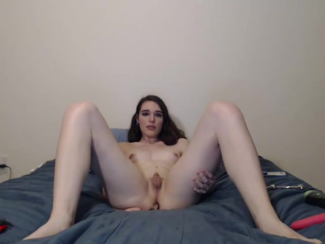 amateur Solo shemale Tugging Her pecker Huge clit getting fucked