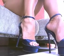 Amateur girl heels what it feels like to get a blowjob