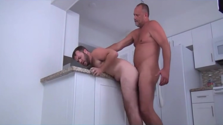 Mitch and Zek fuck raw Girl nude in the shower