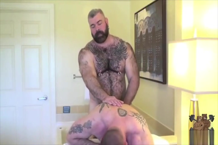 Bears make love in the tub Bbw womans