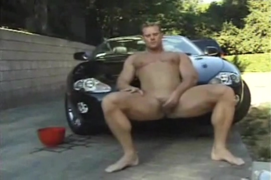 Thor washes a car Tits In Movies