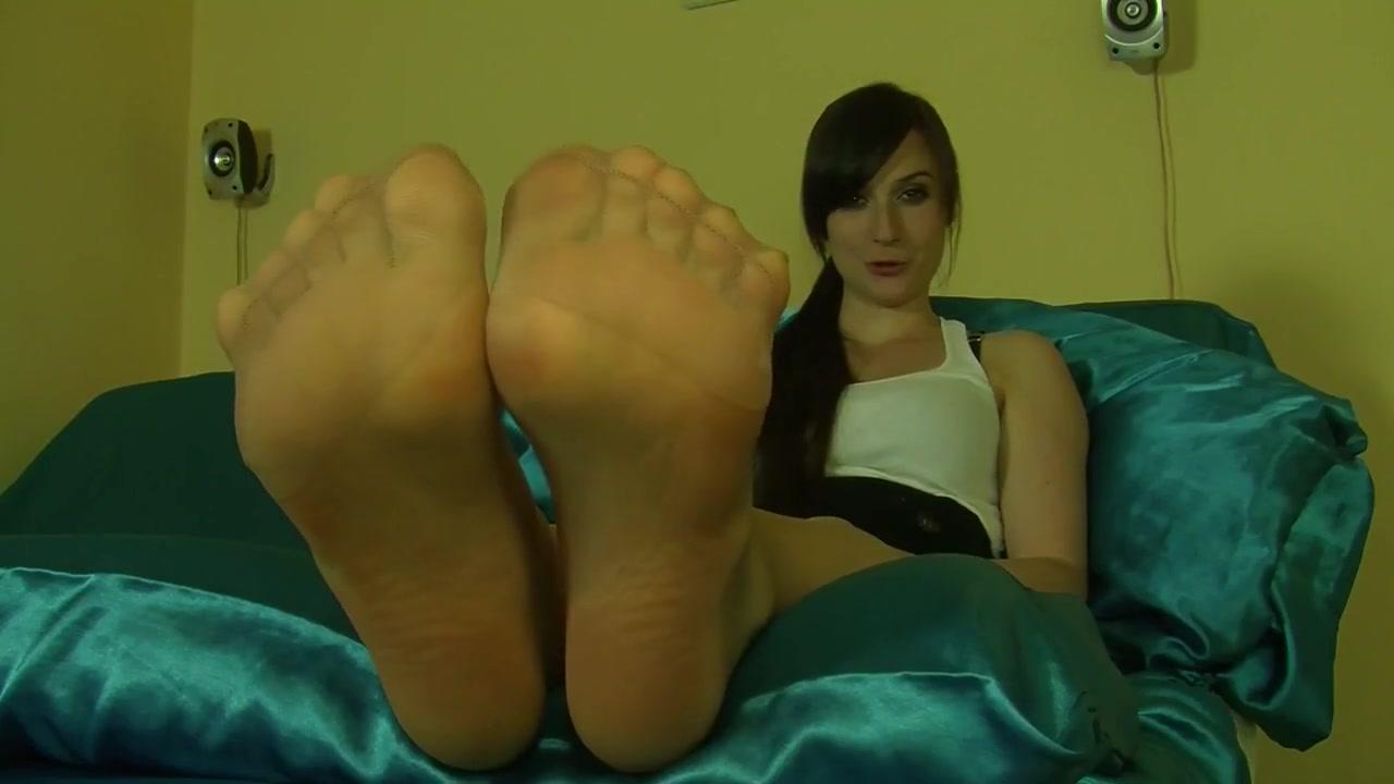 nylon soles Sexy maid upskirt photos