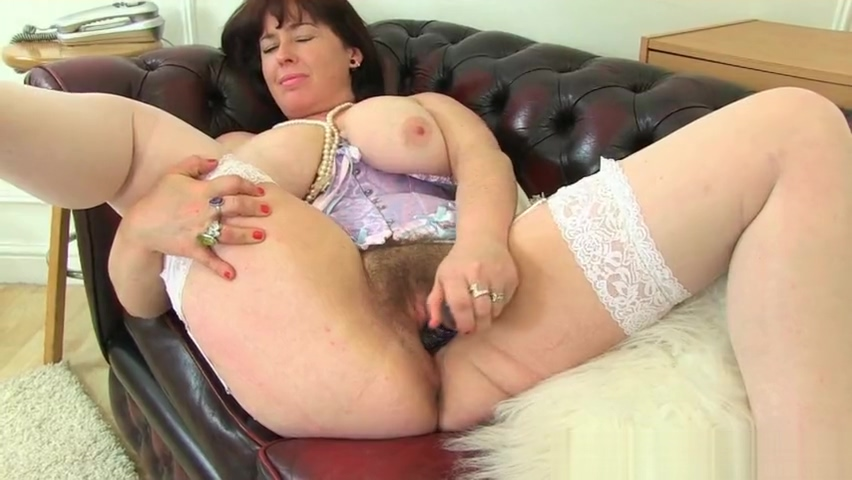 English milf Sassy lets us enjoy her juicy fanny Tati angel lesbian