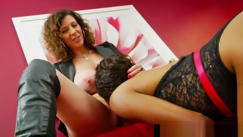 Hot Mistress Sara Jay Face Fucks Slave Ashley Sin!