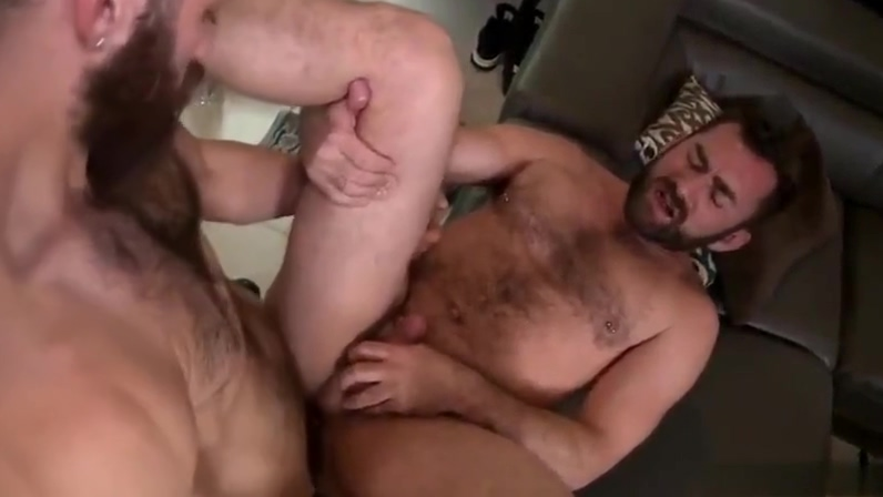 Jake Jennings and Tommy Defendi Exotic homemade Cunnilingus Lesbian porn clip