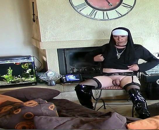 En bonne soeur Squirting in panties gif