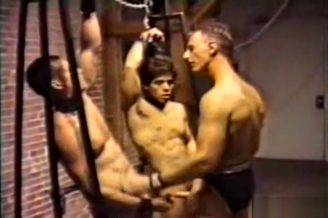 CAPTIVE MEN 3 Chat lines from home