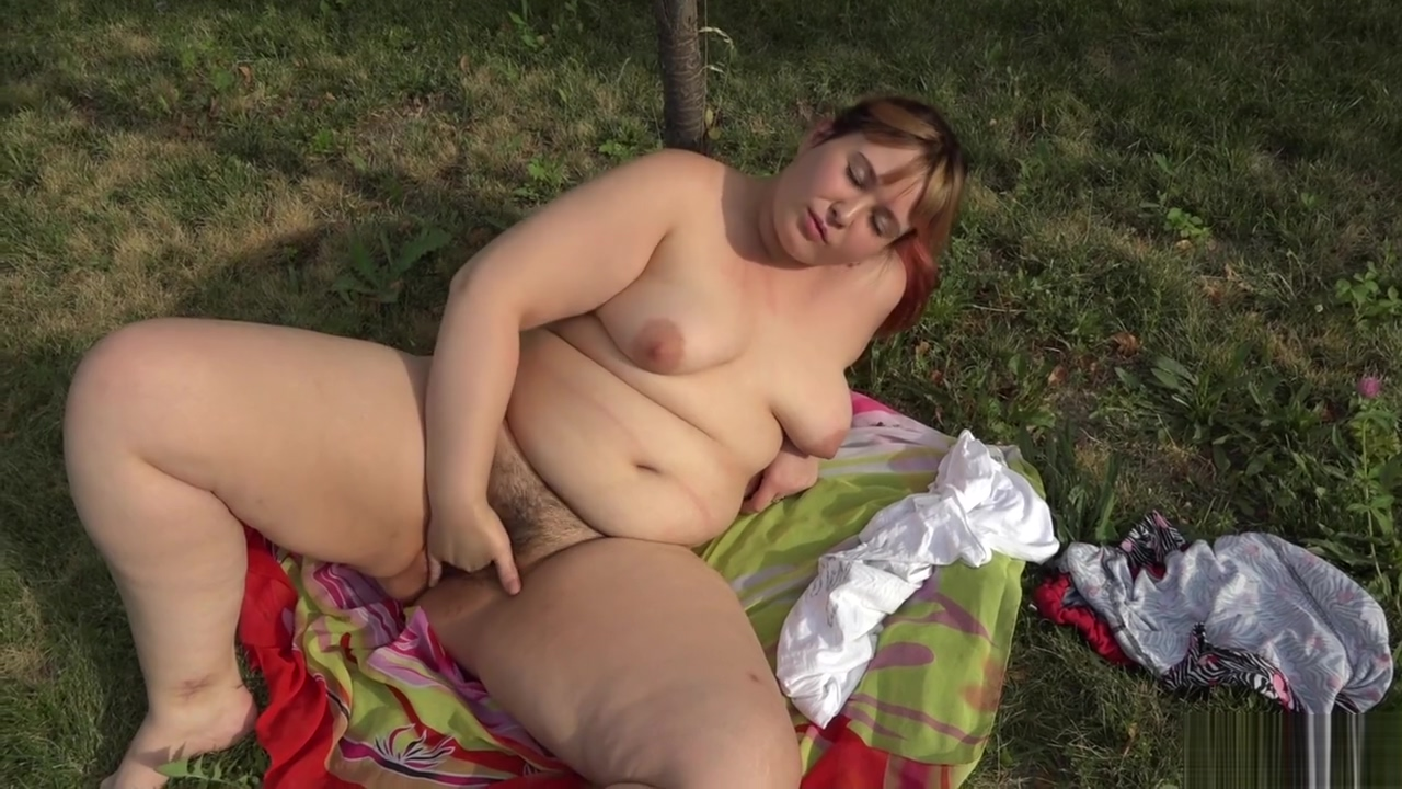 hard fisting hairy pussy young bbw Brunette big tits tiny waist knees spread nude pictorial