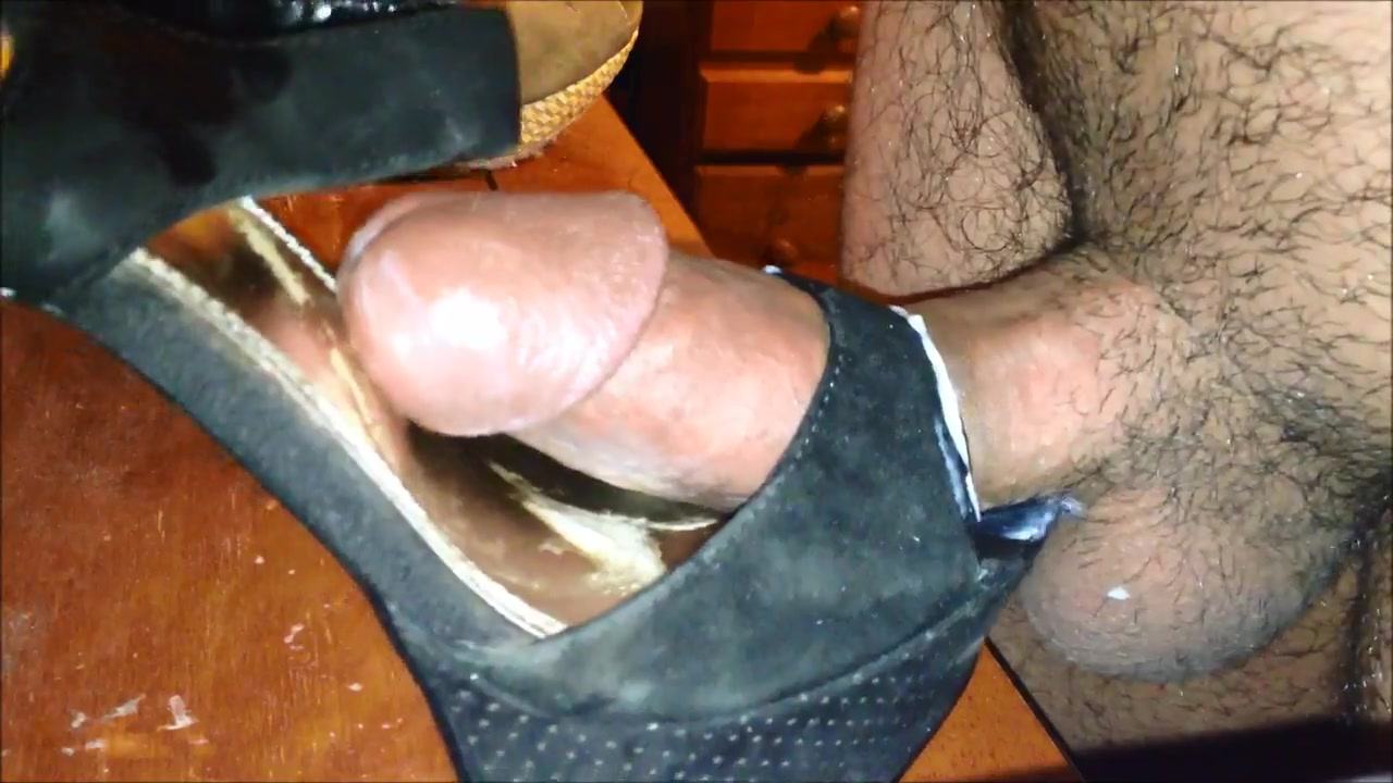 Cumming in friends shoes Naked chunky blonde pussy
