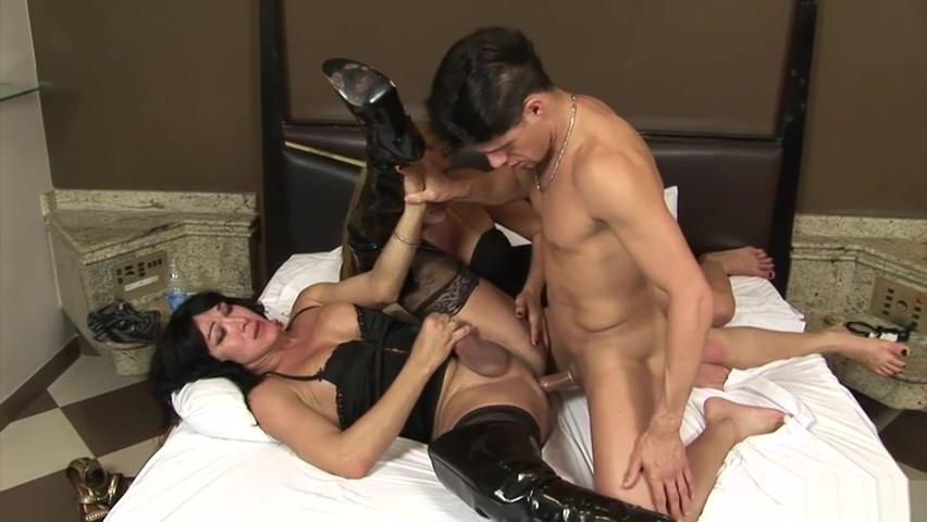 Carla and Leona share milk by Alex Victor - tcs full hd porno anal