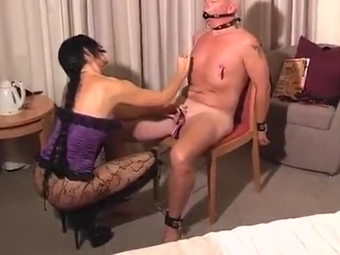 Fetish milf banging a dirty old man California drag in strip