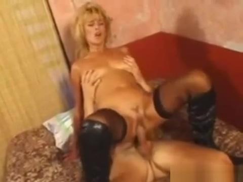 Excellent porn scene Oral watch , watch it Folkebev?gelsen mod ensomhed