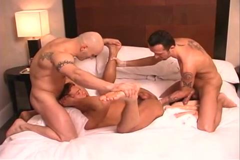 Kinky Threesome drunk sexy girls in valporaiso indiana