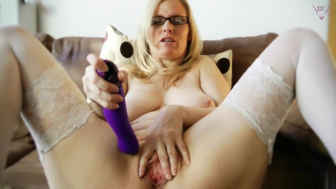 Cum on my Nylons Milf bending over vagina