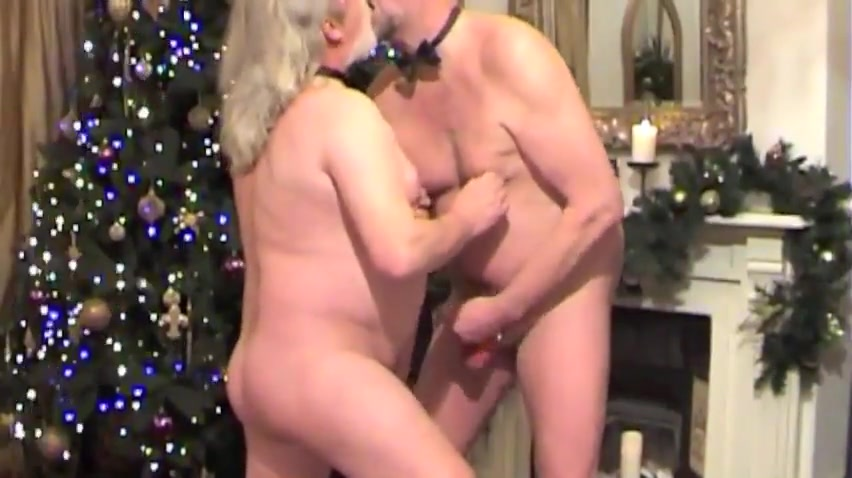 A bareback Christmas fuck Two Lesbian Teens In Foot Fisting