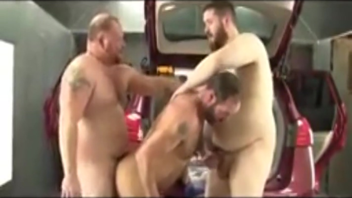 Another vid with the guy with huge balls Porno de en fermera