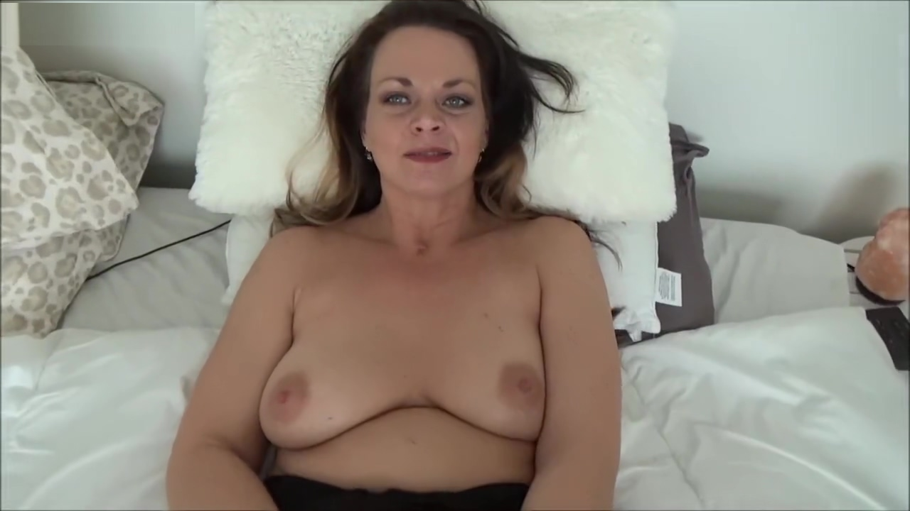 Diane Andrews Horny StepMom Taboo Role Play Women to fuck in Krong Koh Kong