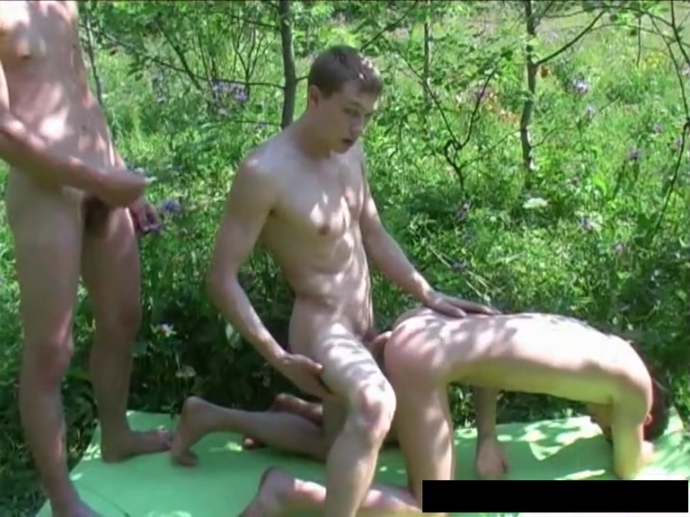 Aa Vid - Teen Boy Threesome Outside gnrh joint pain and swelling