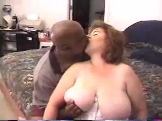 MATURE BCS Hot lesbians rubbing vulvas