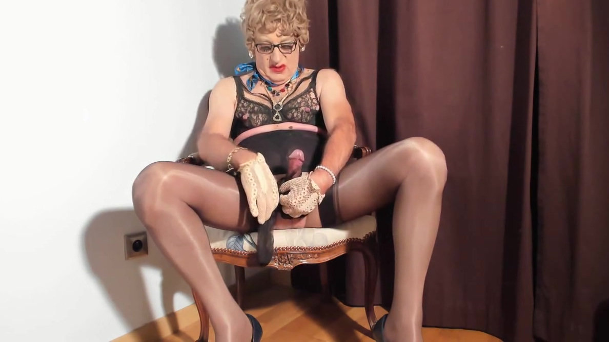 i love to see my clitty dressed with nylon stockings black milf with hairy pussy enjoy at beach hairy milf outdoor 1