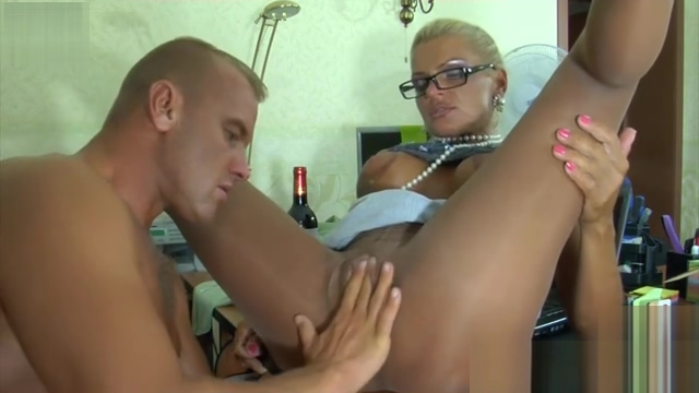 RUSSIAN MATURE HANNAH 19 Katumwa wife sexual dysfunction