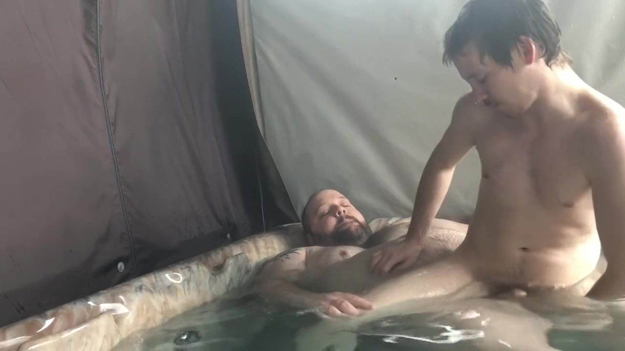 More hot tub fun avec le tres bon French twink chaser sub boy Looking for a friend close in Slatina