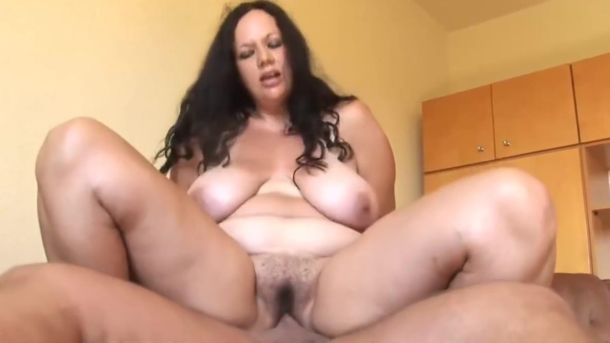 Hungarian Amateur BBW Teen Fucked at Home amateur massage cumshot videos