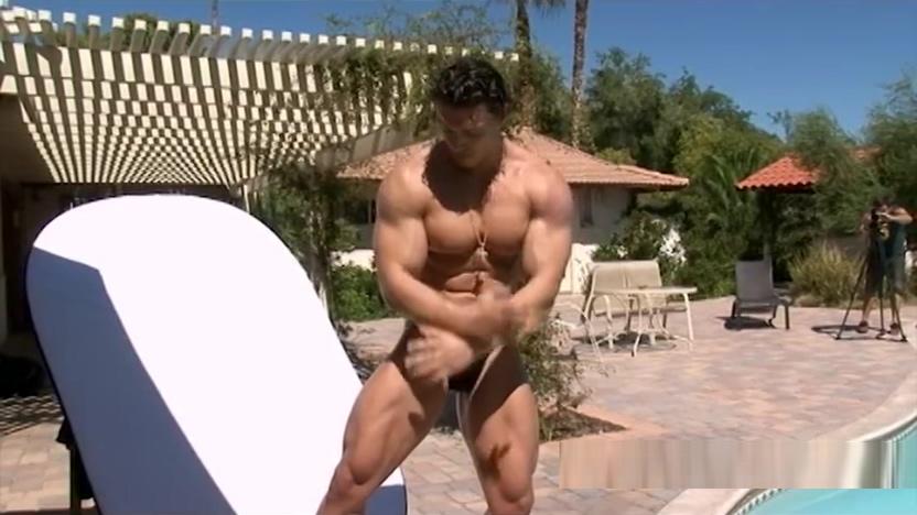 Denis Sergovskiy naked pics of shemales