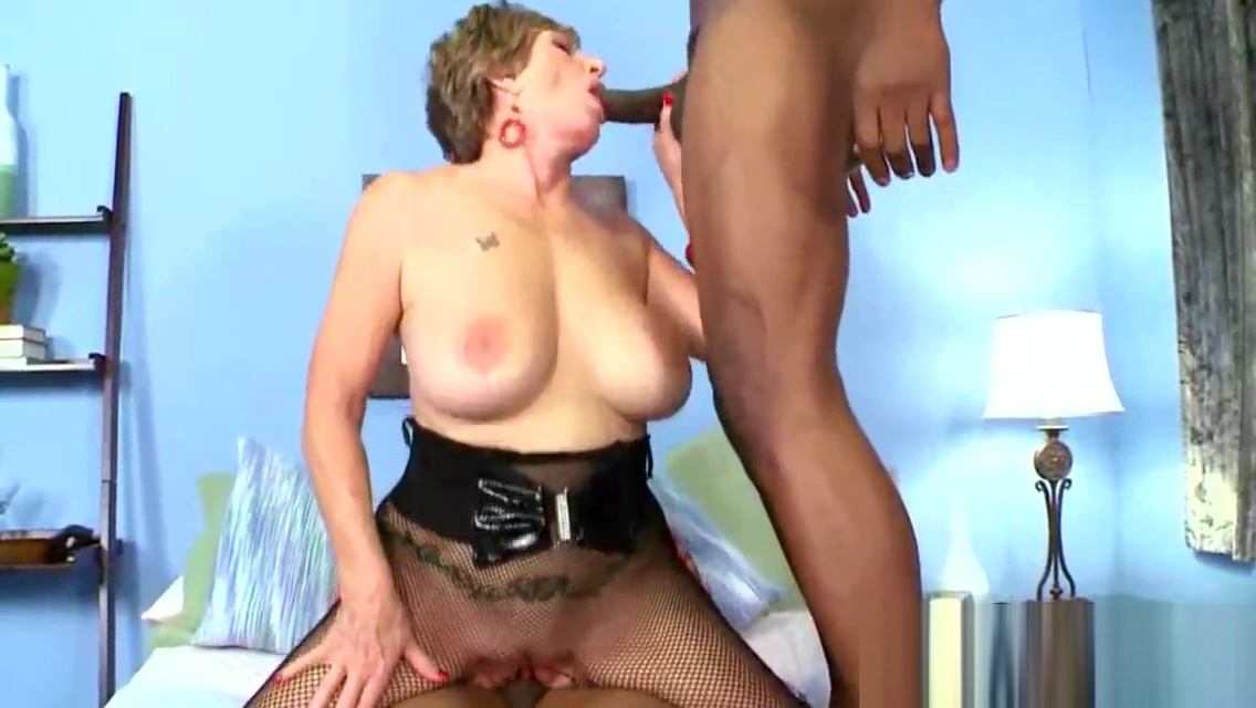Old bimbo fucked by two black studs sister black young mirror having cum