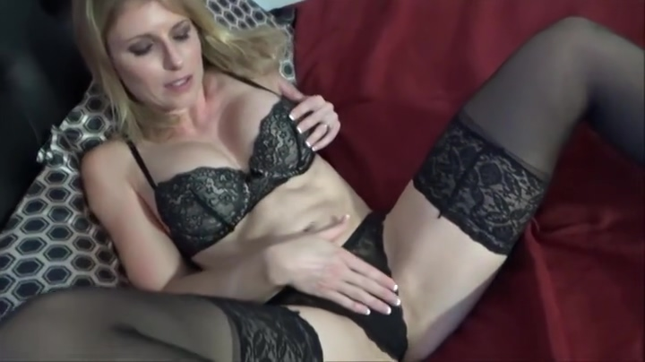 Sexy experienced lady Cory Chase blows the cock manufacturer sex toy vibrator wholesale