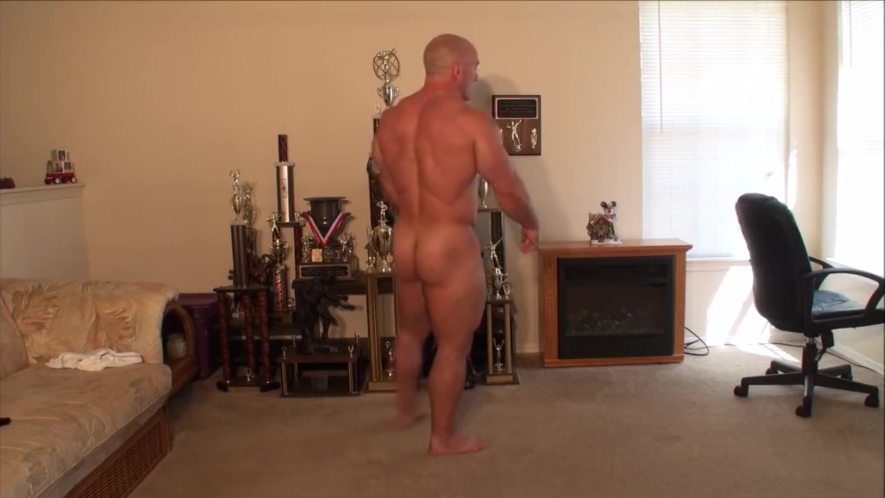 Custom flex and stretch Hairy bbw bottomless