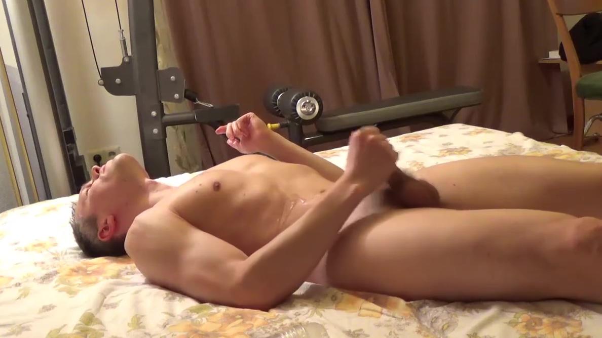 SEXY BOY having fun, tumbling! We're hookup does he like me
