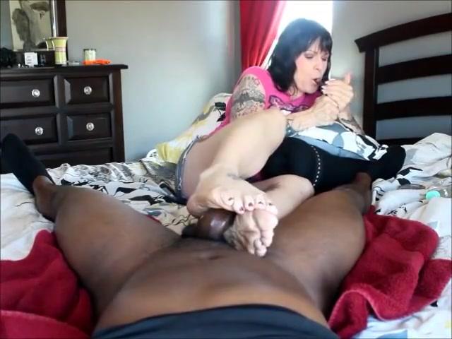 FOOT FETISH Spanking adult woman
