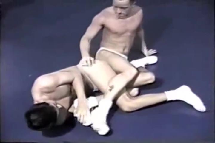 Brian vs Ryan ( erotic combat 8 ) Japanese guy dating style