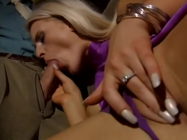 Sandra Russo LiLa hot lesbian seduction videos