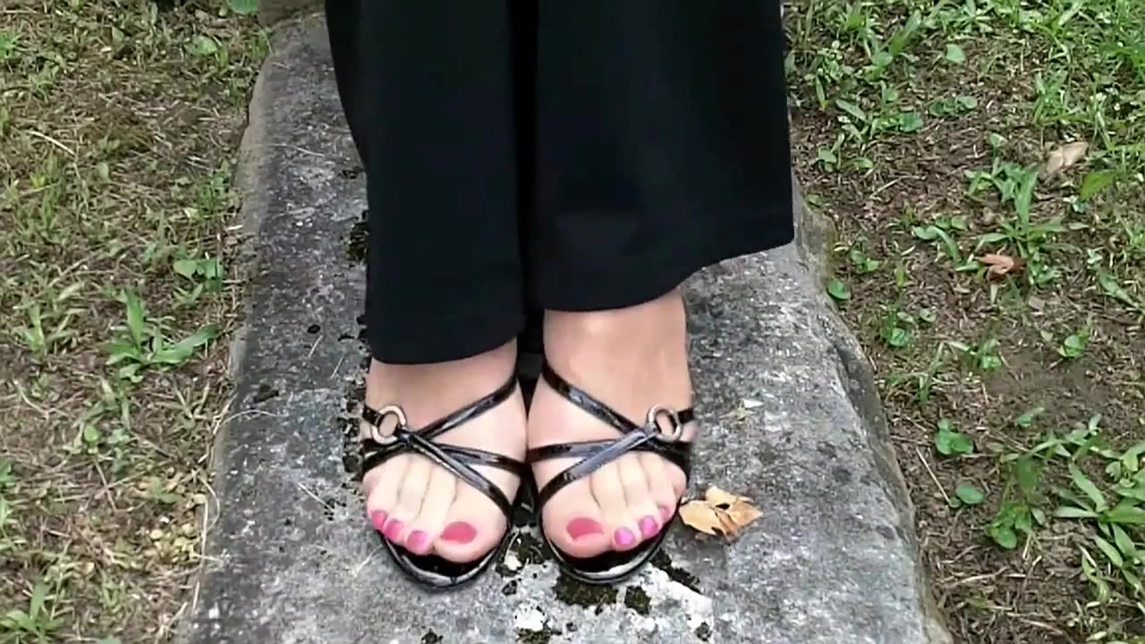 Nylon Feet pedal pumping Natural looking boob job