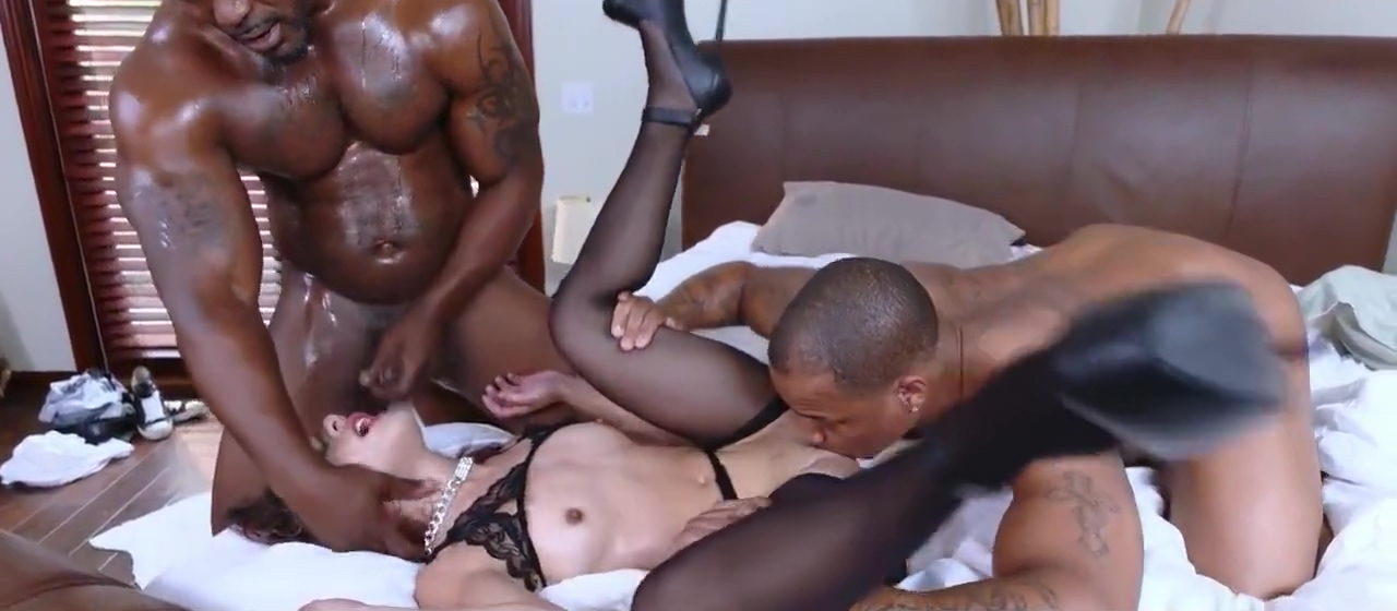 Sexy girl gets tits bbc fuck Screaming orgasm vibrator g spot