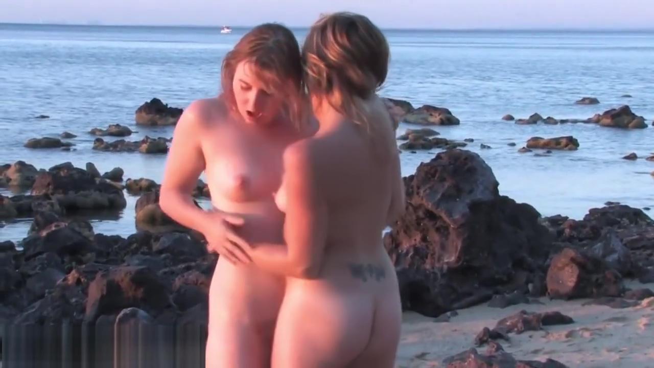 Amateur lesbos trib outdoors